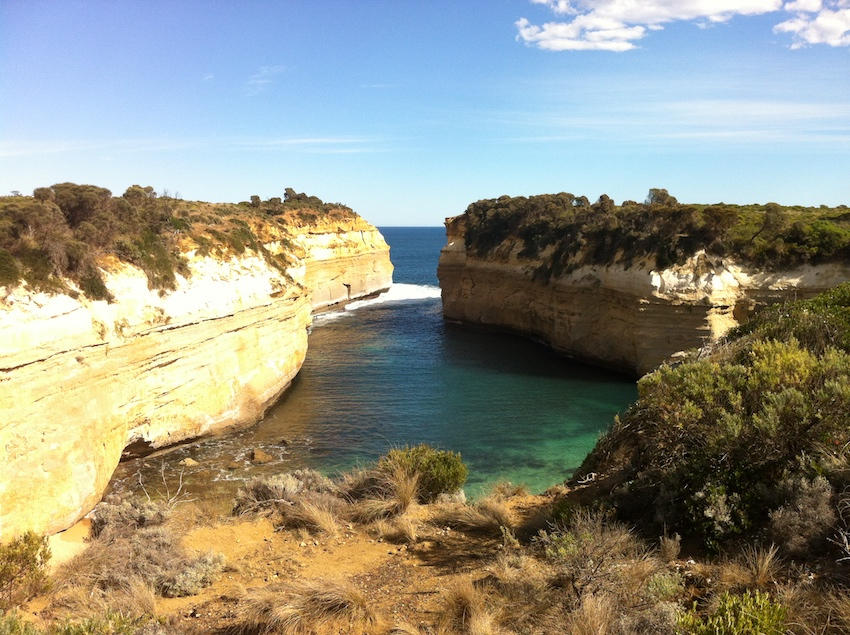 learn the drama and the history of loch ard gorge on this great ocean road tour