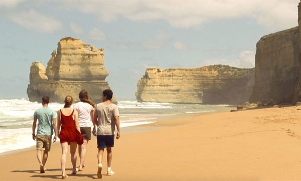 See the 12 Apostles from the beach at Gibsons Steps 3 day melbourne to adelaide tour