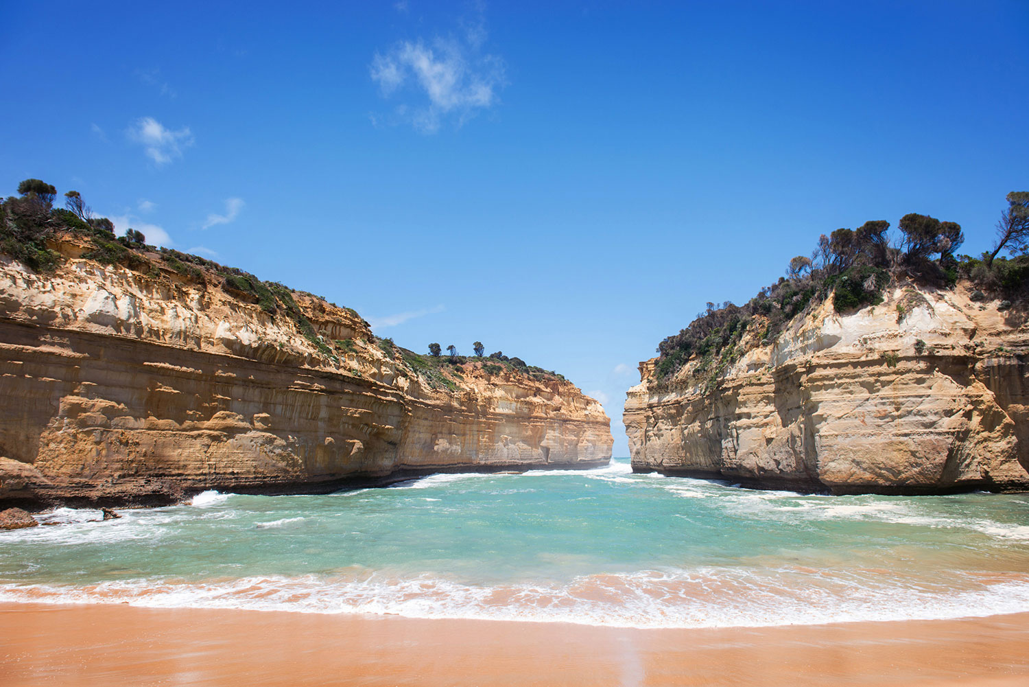 Experience the Famous Loch Ard Gorge.
